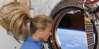 جشن شکرگزاری فضانوردان ایستگاه فضایی بین المللی