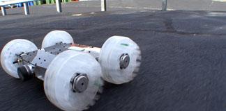 Sand Flea رباتی ۱۱ پوندی که از روی ساختمان ها می پرد